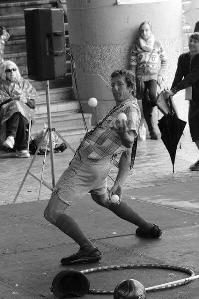 juggler-888901_640